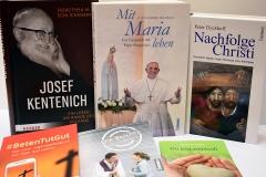 DSC_0155-Books-1400px-Web